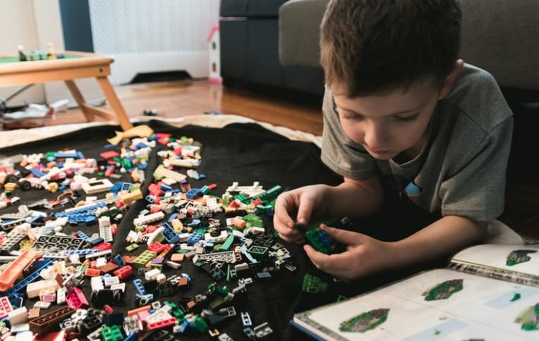 child-jigsaw